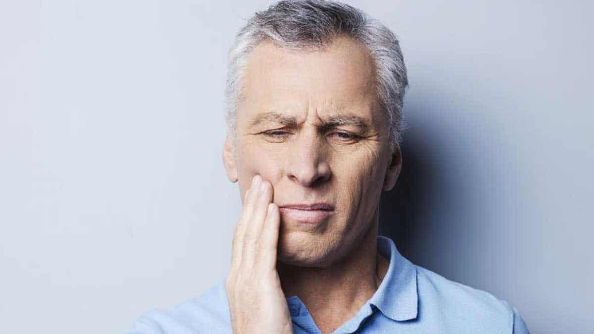Dolor de dientes prótesis dental