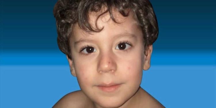 Iker, niño con una enfermedad rara degenerativa