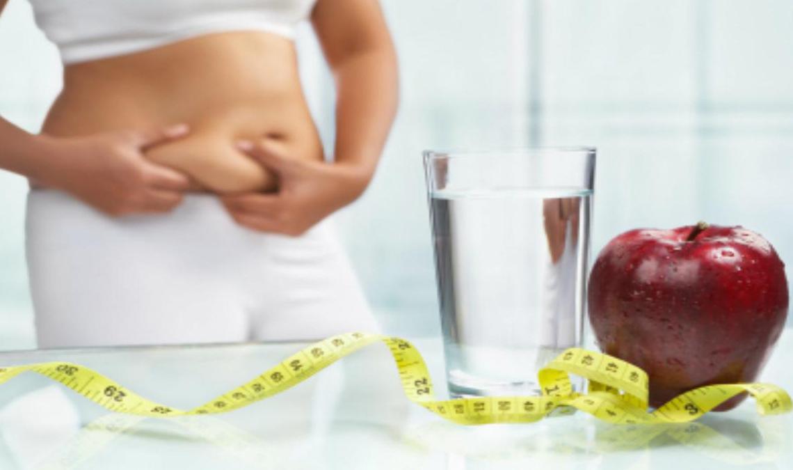 Obesidad dieta agua fruta