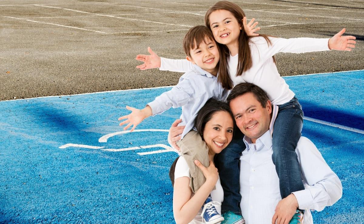 Aparcamiento Familia movilidad reducida