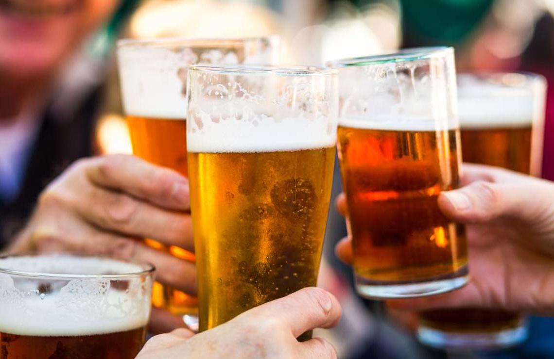 Brindis de cerveza