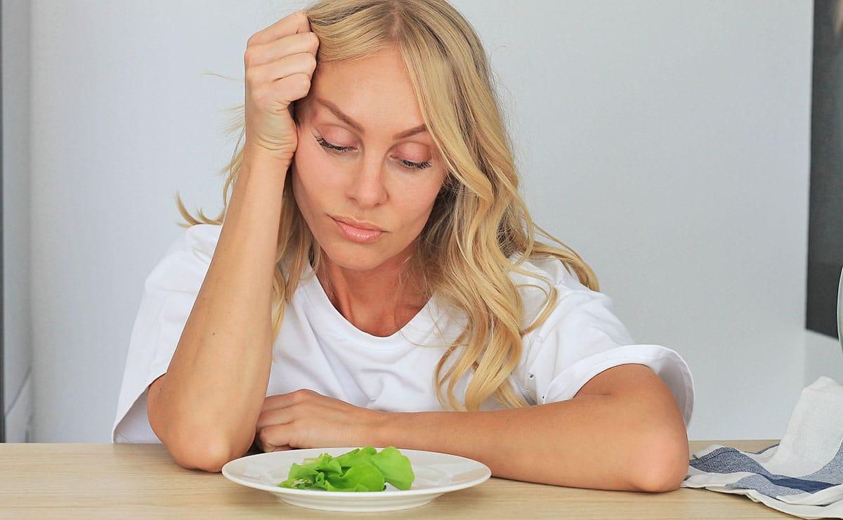 Mujer con pérdida de apetito