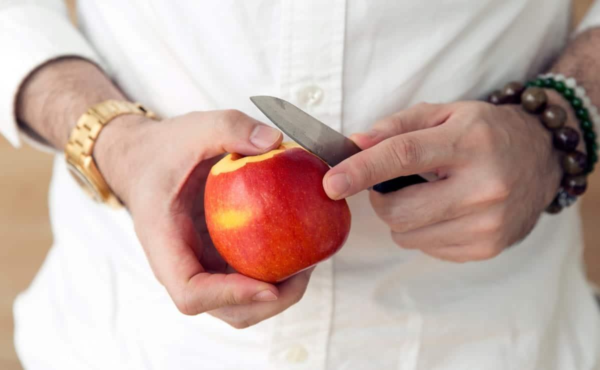 Pelar manzana