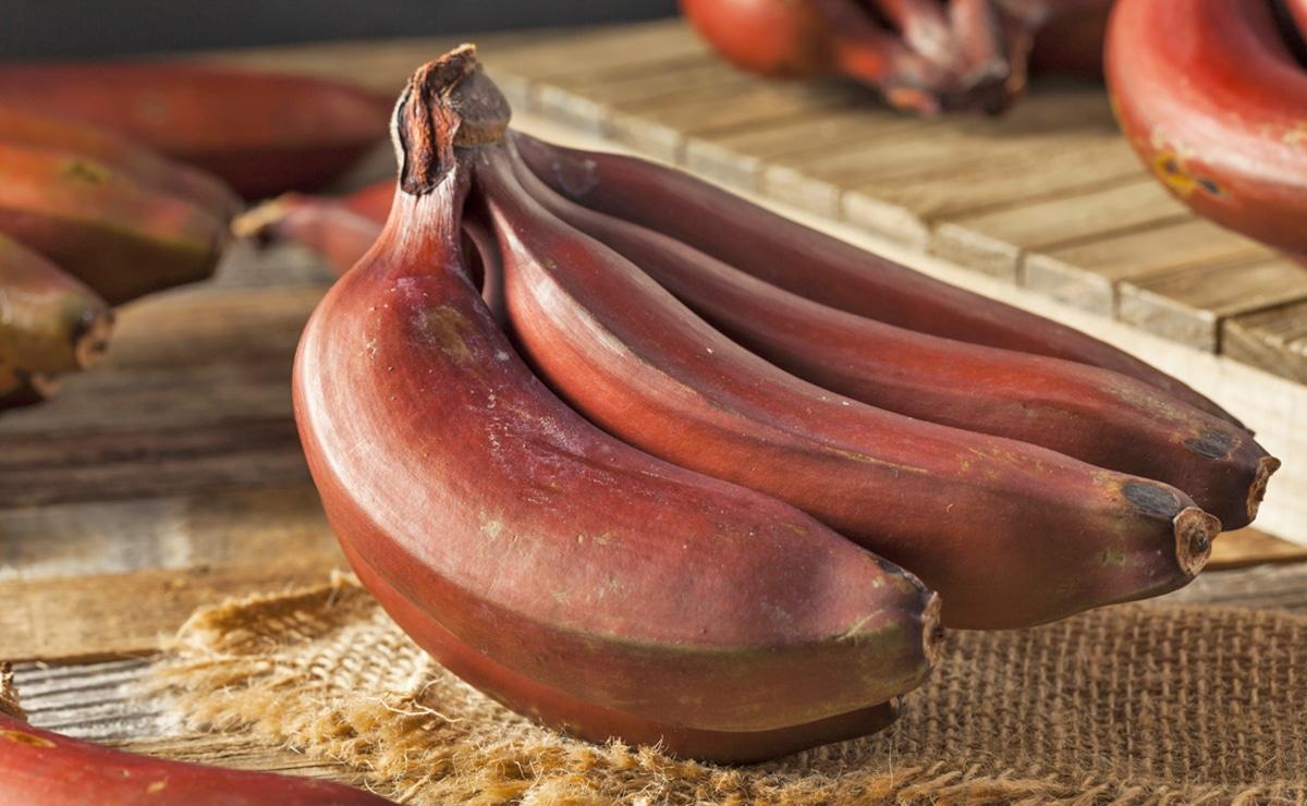 Plátano Dacca, conocido como plátano rojo vitamina B6