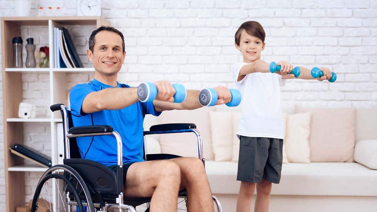 ejercicio físico casa persona con discapacidad