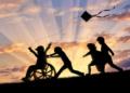 Niños en silla de ruedas
