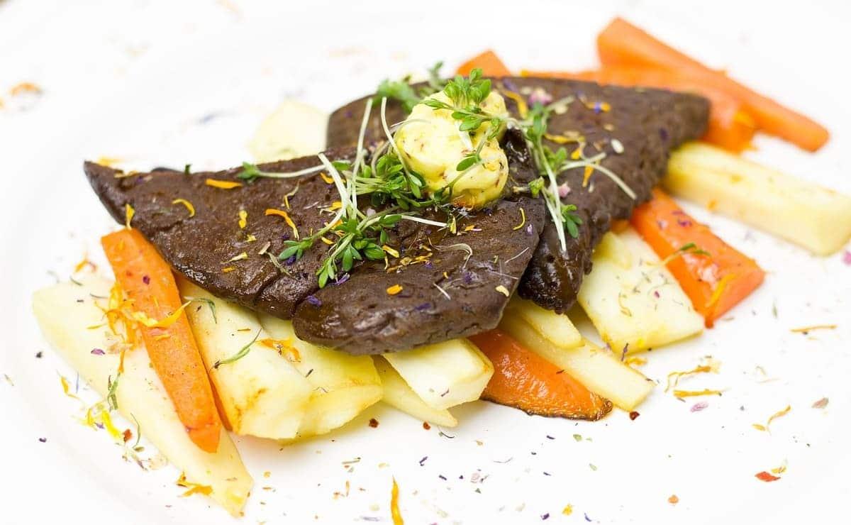 alimento nutritivo: seitan guisado con papa y zanahoria