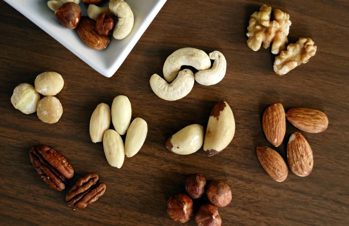 los frutos secos son ricos en hierro y contienen acido fitico
