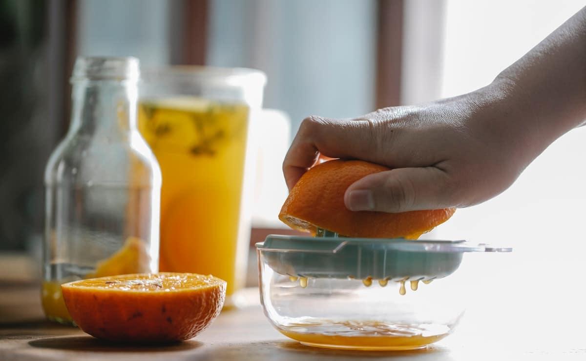 el jugo de naranja es fuente antioxidante