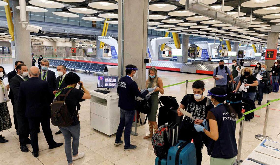 Control en el Aeropuerto antes de un vuelo | Foto: EFE