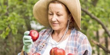 Mujer agricultora vitamina D