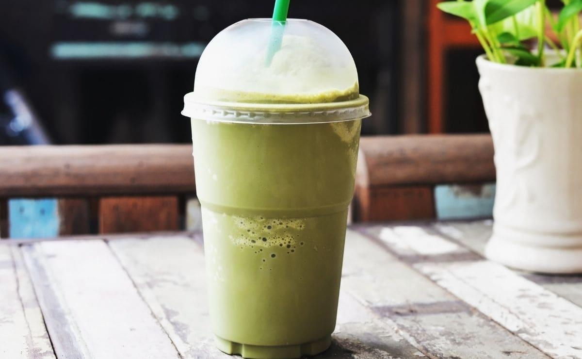 Smoothie de té verde con yogur
