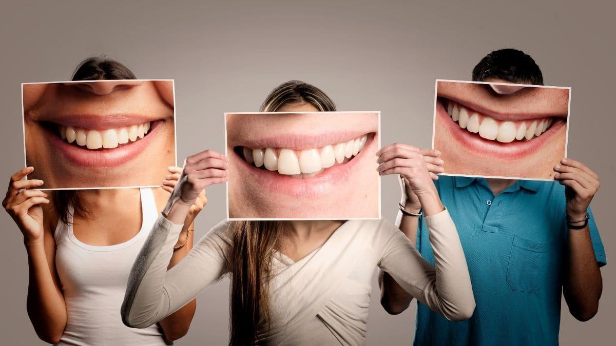 Soñar personas sonriendo