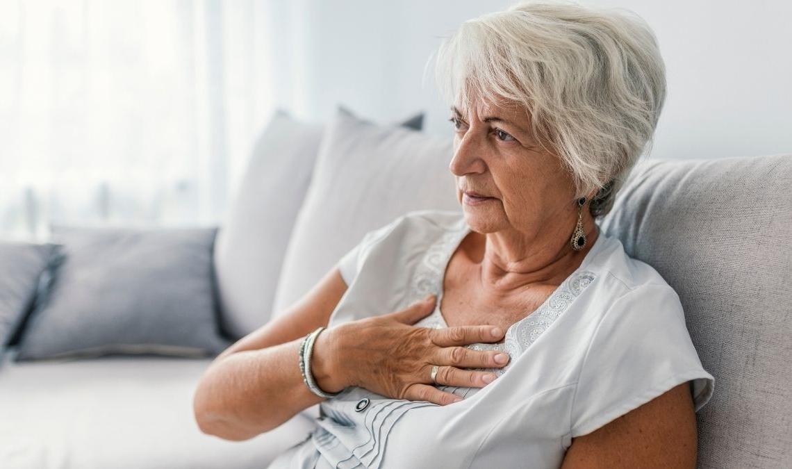 Una mujer con problemas de corazón por los triglicéridos