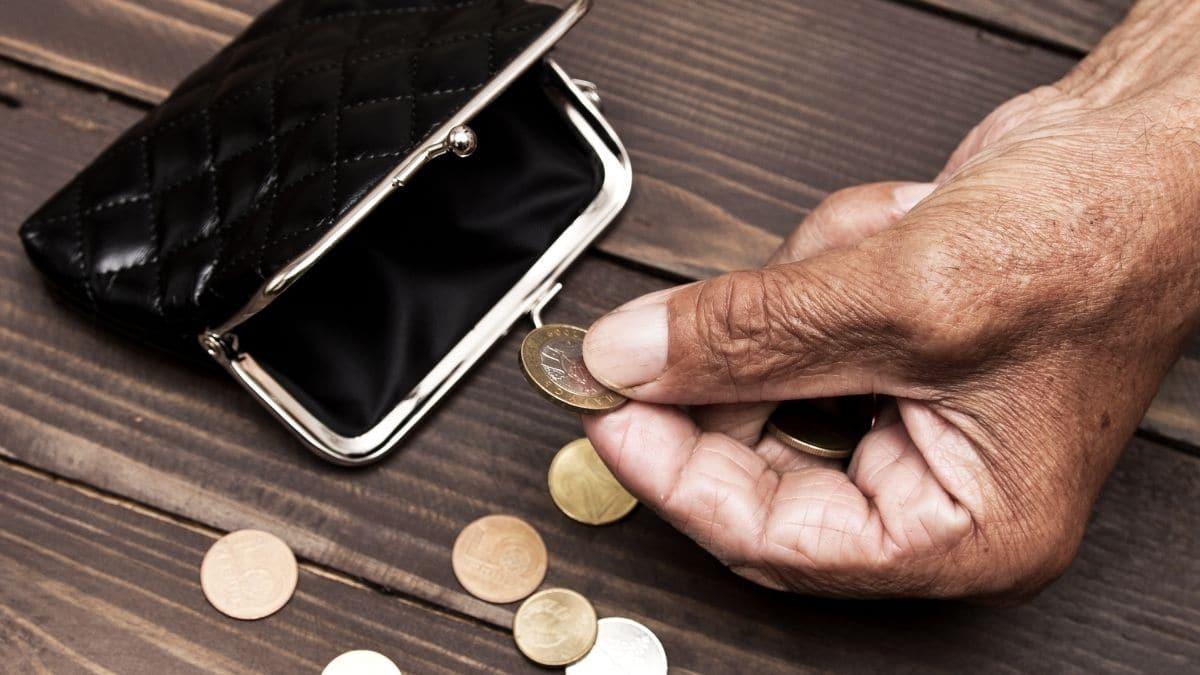 Ayudas parados prestación desempleo nivel asistencial