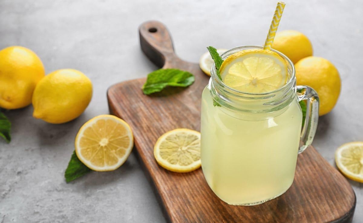 Beneficios salud jugo de limon