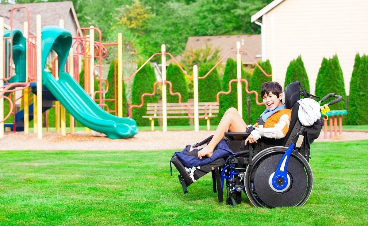 Castillo medieval silla de ruedas discapacidad inclusivo discapacidad Cordoba