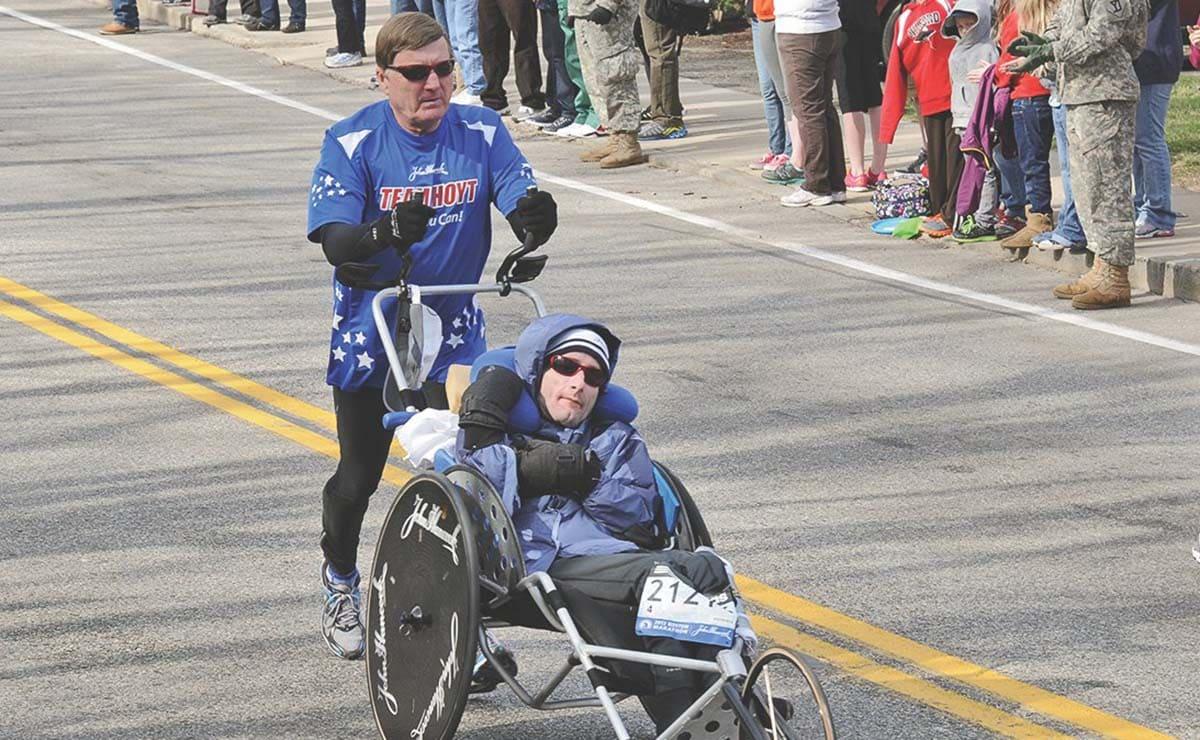 Dick Hoyt y Rick discapacidad paralisis cerebral deporte