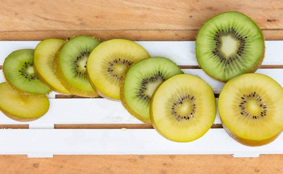 Kiwiw verdes y amarillos