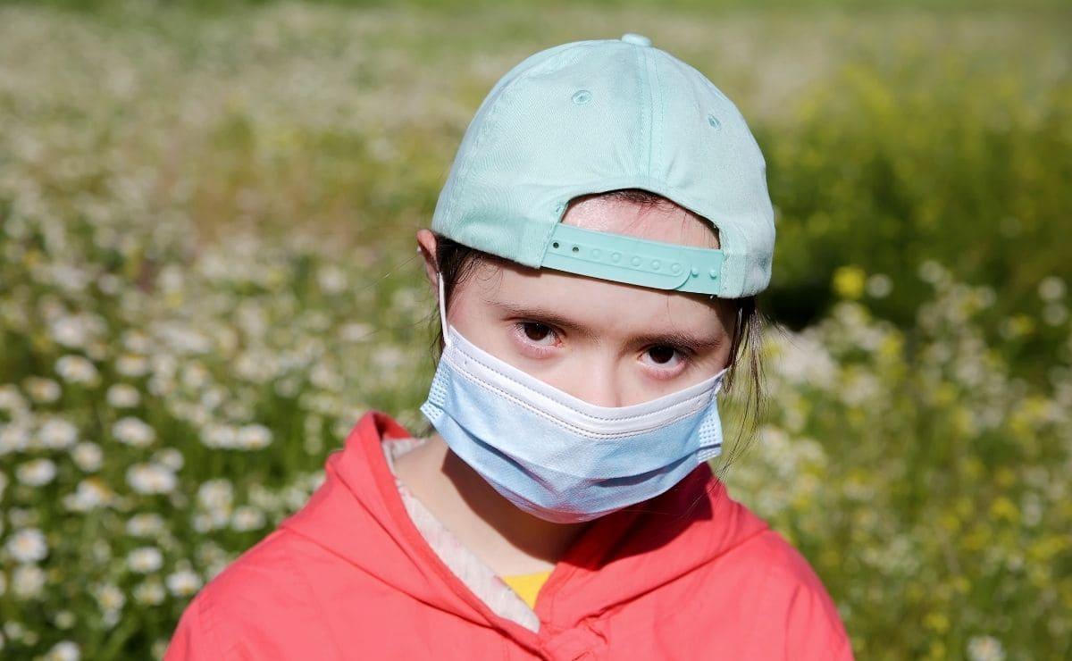 persona con sindrome de down covid-19 mascarilla