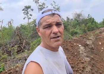 Frank Cuesta enseña el santuario de animales que está haciendo en Tailandia