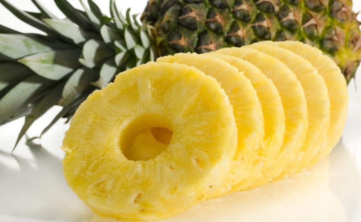 Piña fruta vitamina C