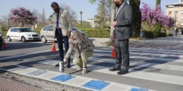 autismo Granada paso de peatones TEA