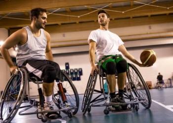 baloncesto en silla de ruedas discapacidad