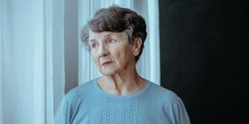 persona mayor con Alzheimer