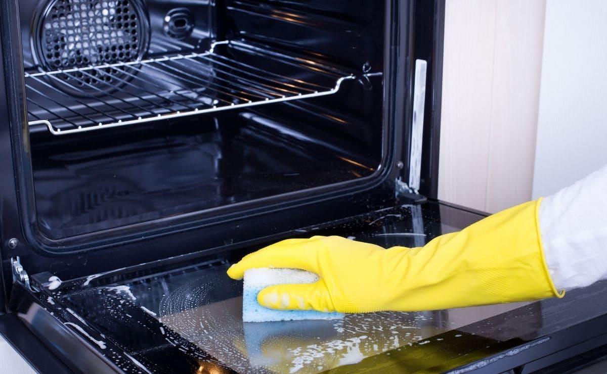 Limpieza horno limón bicarbonato