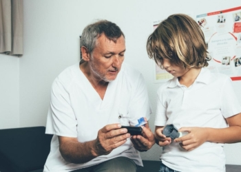 diabetes consulta medico joven
