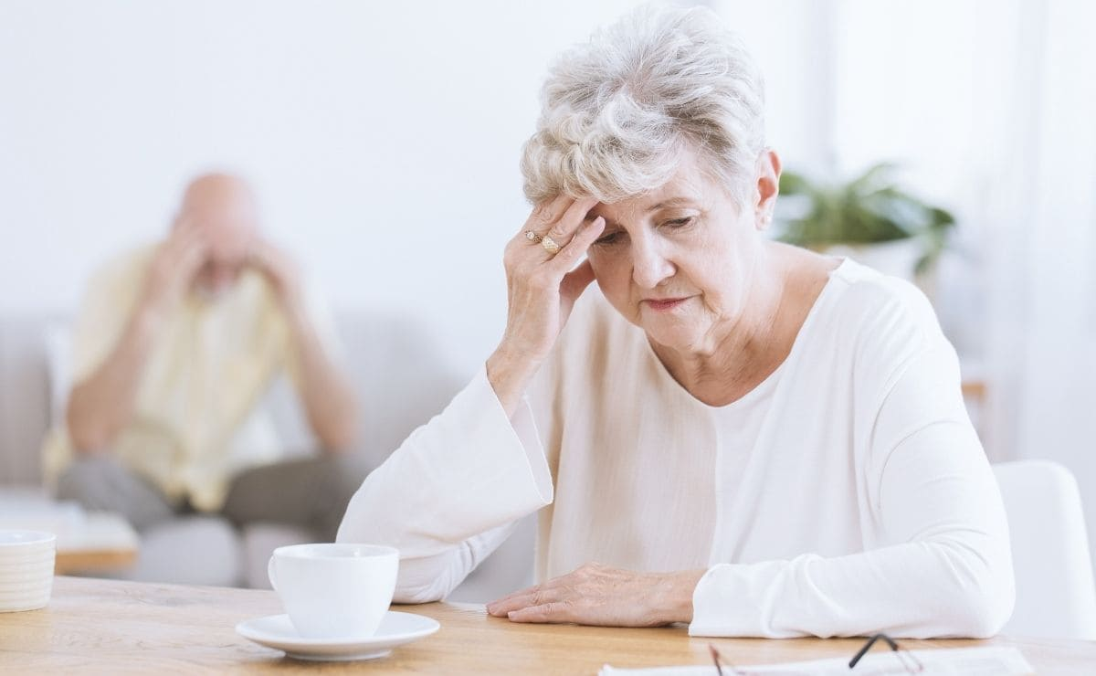 persona mayor demencia anciana presión arterial