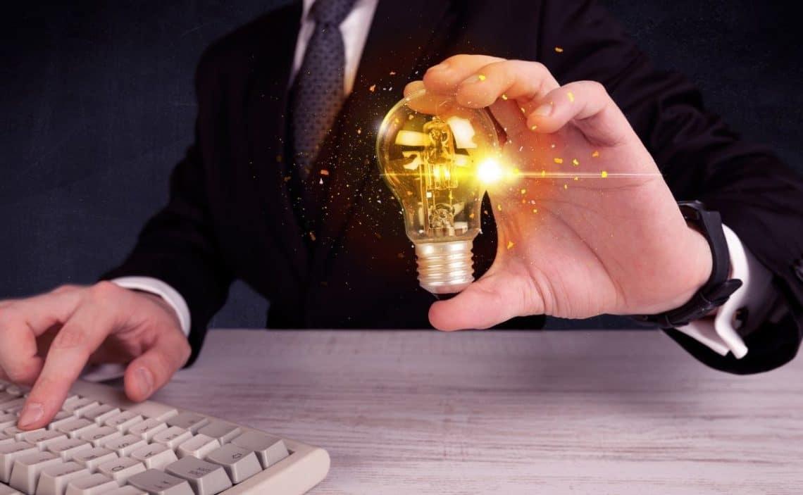 Factura de la luz autónomos IVA