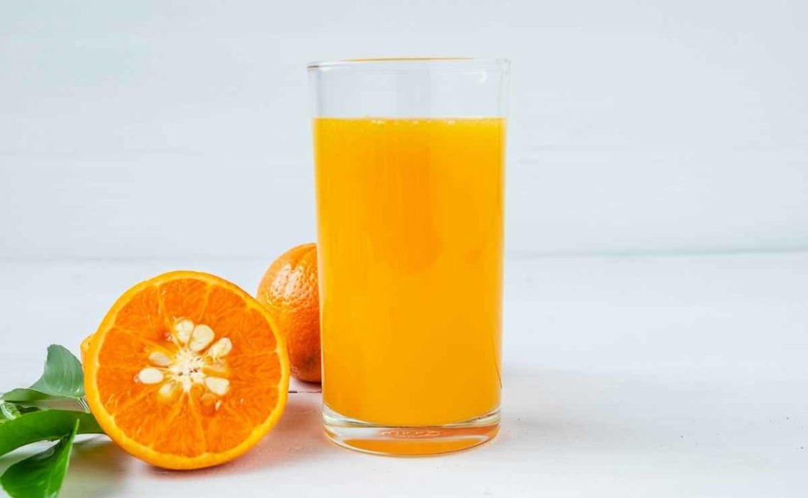 Efectos secundarios jugo de naranja, según la Universidad de Harvard