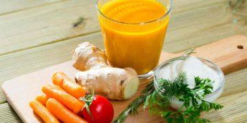 Jugo saludable de naranja y jengibre para bajar los triglicéridos