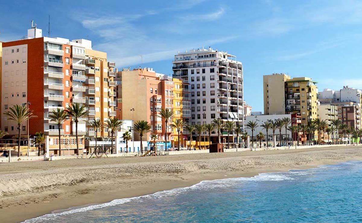 Playa El Palmeral almeria