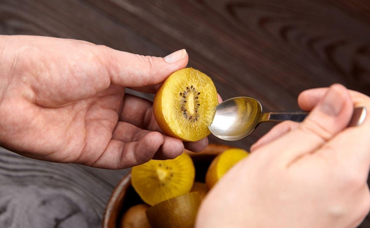 kiwi encías vitamina C