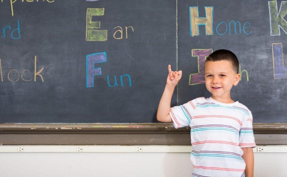 lengua de signos alumno sordo