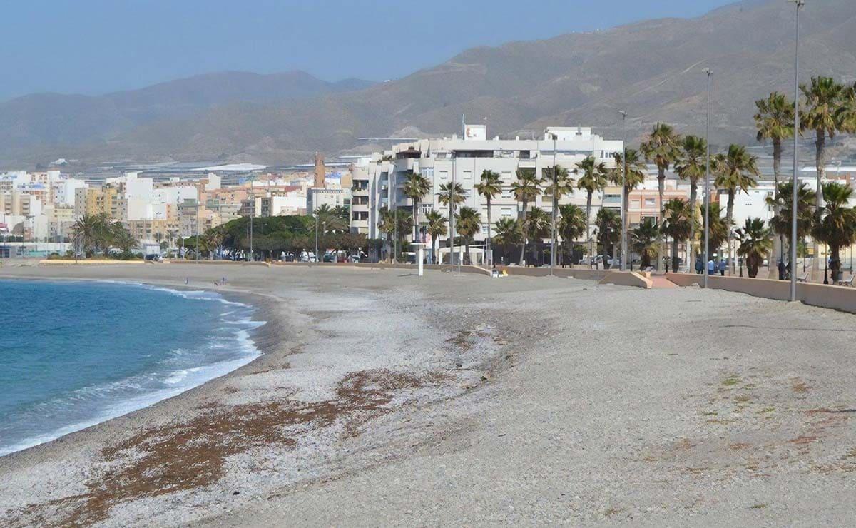 playa san nicolas adra accesibilidad