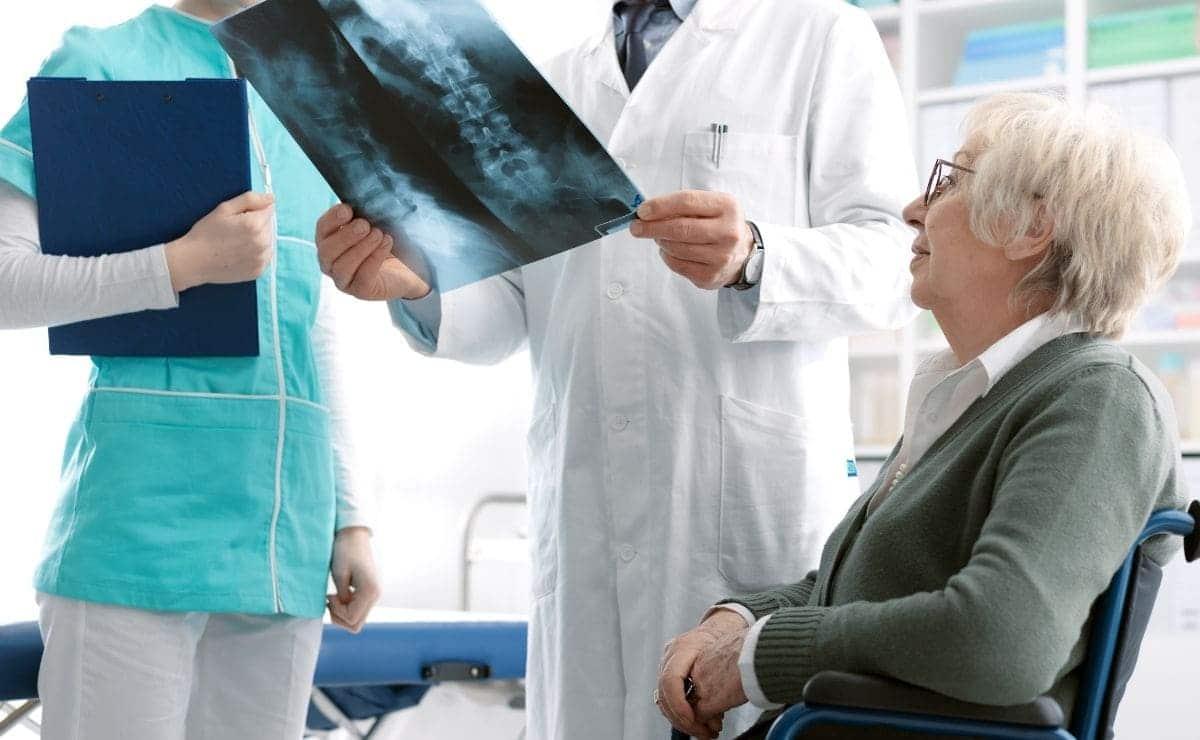 paciente con osteoporosis