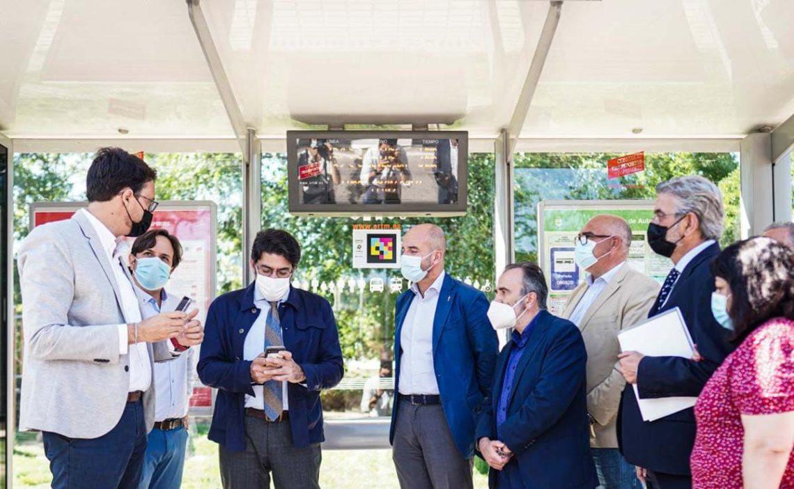Comunidad de Madrid NaviLens parada bus personas discapacidad visual