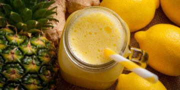 Jugo de limón y piña para bajar los triglicéridos