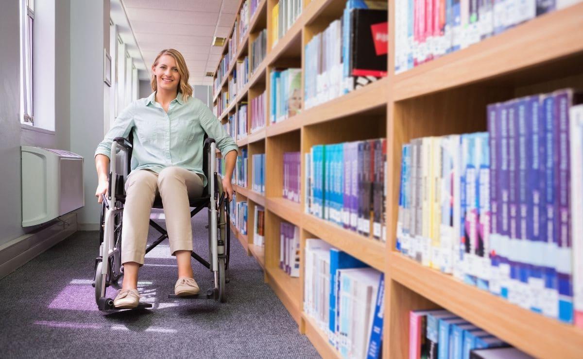 estudiante con discapacidad oportunidad al talento becas fundacion once