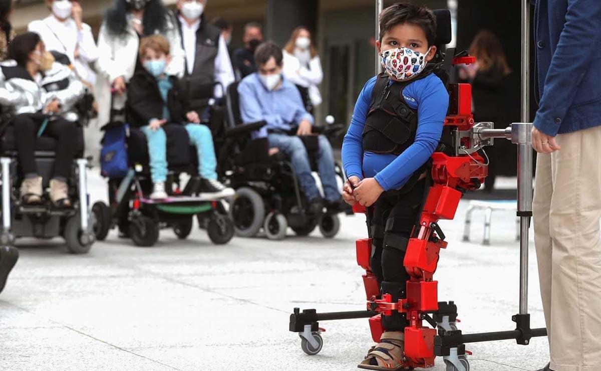 exoesqueletos pediátricos hospital Valdecilla