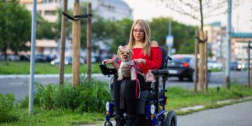 persona con discapacidad movilidad reducida dependencia