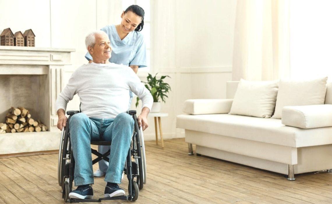 servicio ayuda domicilio persona mayor discapacidad