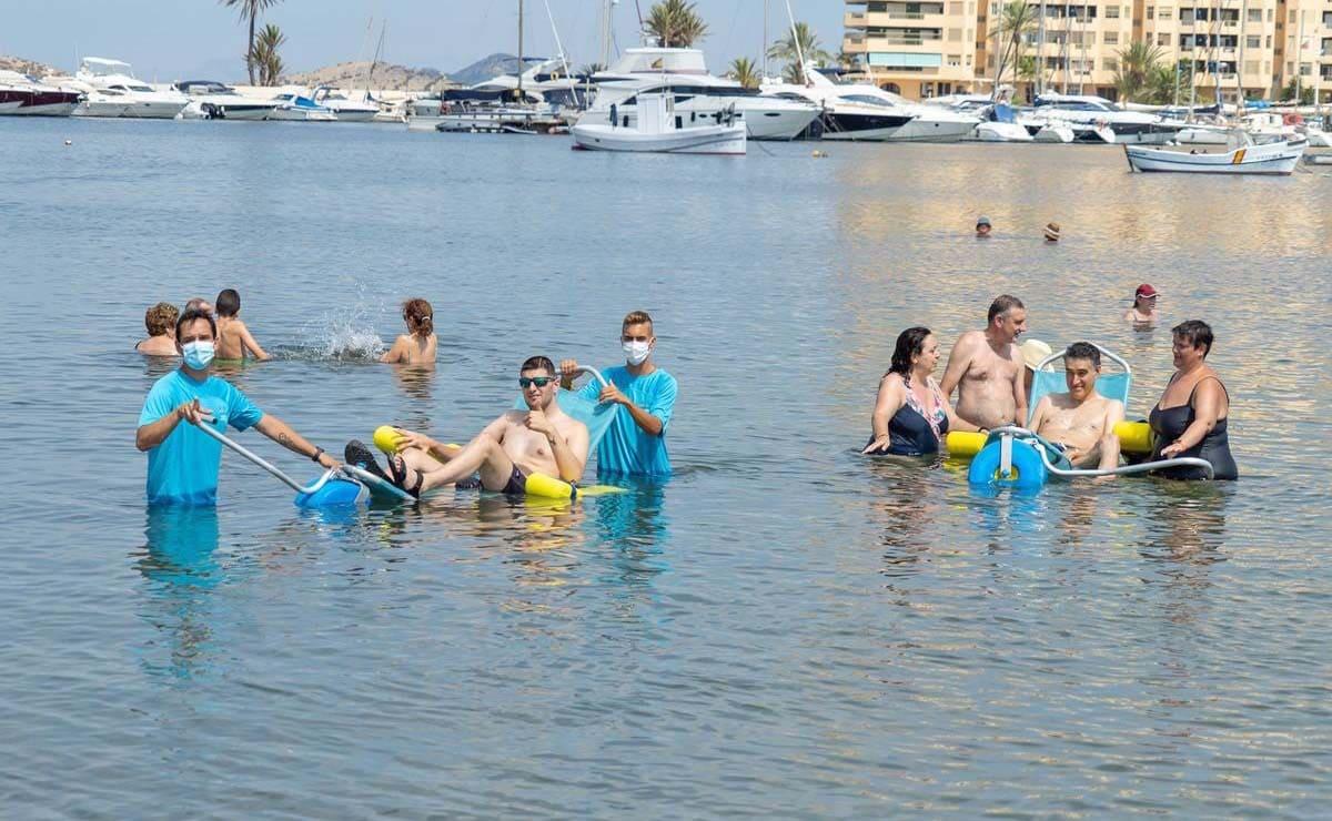 servicio de baños playas personas con discapacidad Cartagena