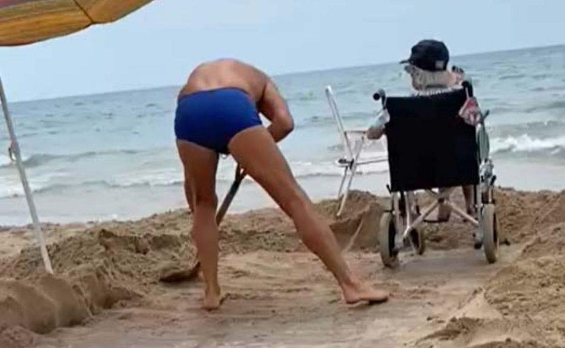 acceso playa Calafell accesibilidad silla de ruedas pala