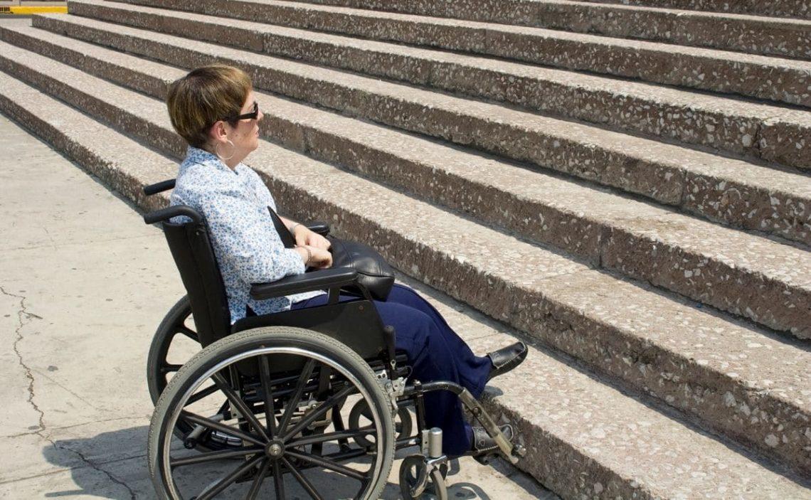 falta de accesibilidad Madrid negocios