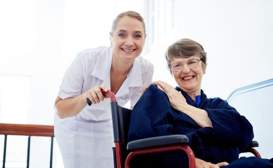 geriatrico dependencia silla de ruedas residencia
